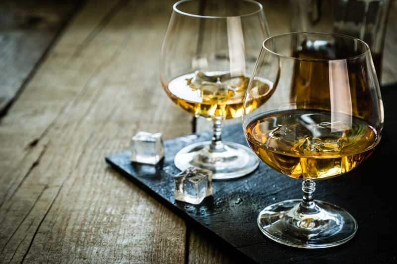 rodzaje-kieliszków-brandy